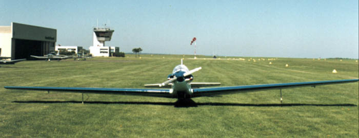 The RF4 motorglider in Chavenay